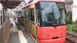 車窓の変化に満ちた都内の路面電車でした。