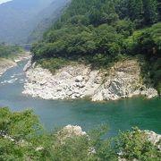 きれいな渓谷です。