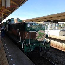 牽引機DE10型ディーゼル機関車