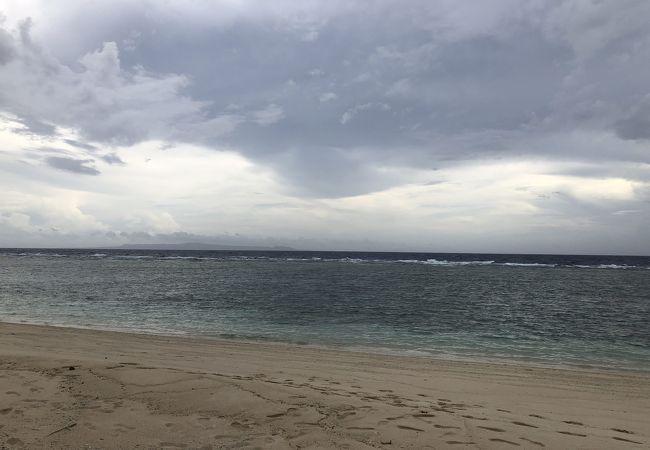 沖縄本島が見えました