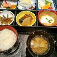 朝食です。郷土料理が多いです。