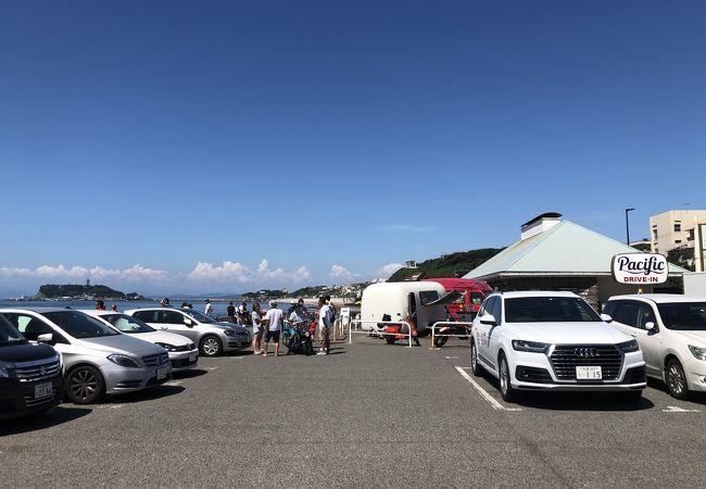 七里ガ浜屈指の人気スポット