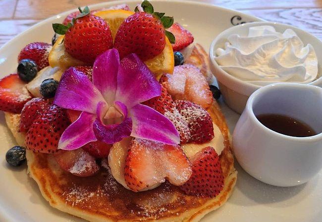 ハワイで有名なカフェカイラのパンケーキ