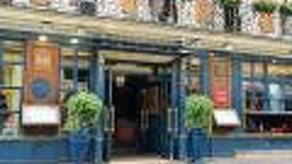パリ最古のカフェレストラン