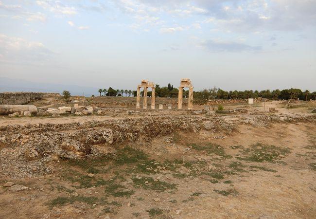 石灰棚の最上部にある都市遺跡
