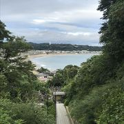 極楽寺からすぐ、由比ヶ浜一望の成就院境内は絶景ポイント