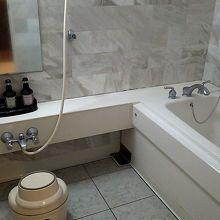 部屋のお風呂も広いです