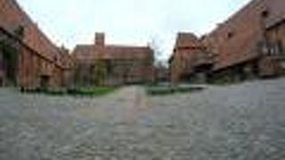 東プロイセンとハンザ都市を巡る旅でマルボルク城は外せない、中世最大の古戦場付近でもある