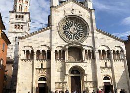 モデナの大聖堂、トッレ チヴィカ及びグランデ広場