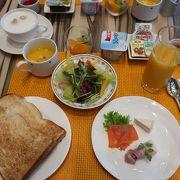朝食はセットメニュー