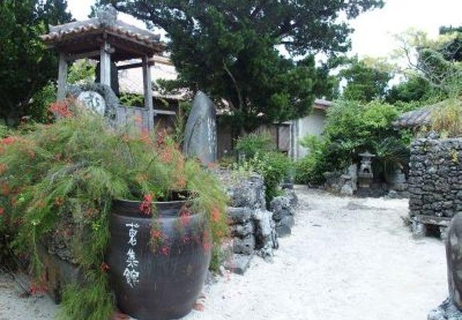 竹富島の伝統的な生活用品などを展示