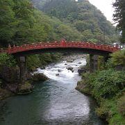 「山菅の蛇橋」の異名を持つ神聖な橋