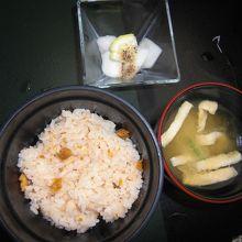 雲丹ご飯と香の物