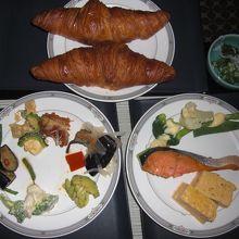 朝食のクロワッサンの焼き上がり時間は7時、8時、9時かっきり