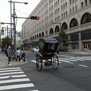 東武鉄道の駅が2階にあります。普段使いのデパート