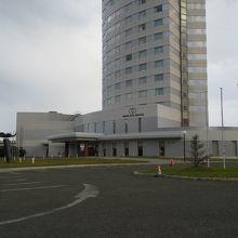 稚内駅から3分で行ける背の高いランドマークのホテル