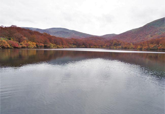 須川湖(秋田県東成瀬村)