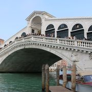 ヴェネツィアの栄華を物語る橋