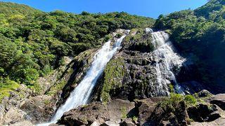 晴天の大川の滝