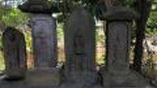 珍しい猿の庚申塔