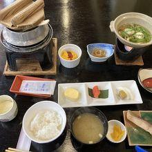 地産地消。朝食。炊き立ての山口米。美味しかったです。