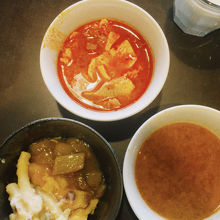 スンドゥブチゲ、グラタン、豆のスープ