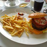 インルームランチ。ハンバーガー。