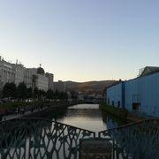 昼間の運河