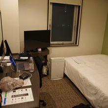 東京品川区のこの金額のホテルにしては広い部屋