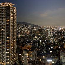 高層階の夜景はさすが。