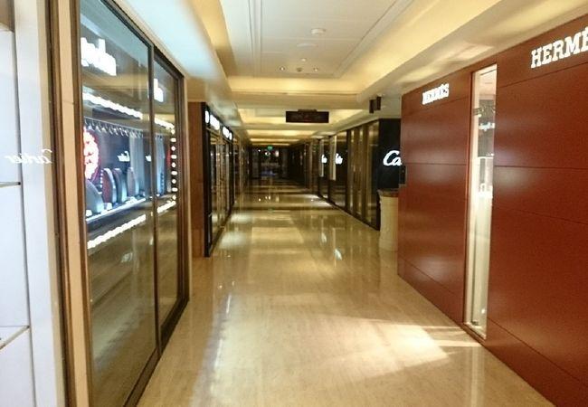 ペニンシュラホテルの地下に広がるショッピングアーケード