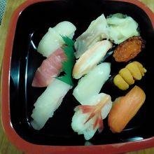 デリバリーのにぎり寿司