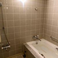 温泉の大浴場もあるけれど、部屋の浴室も快適