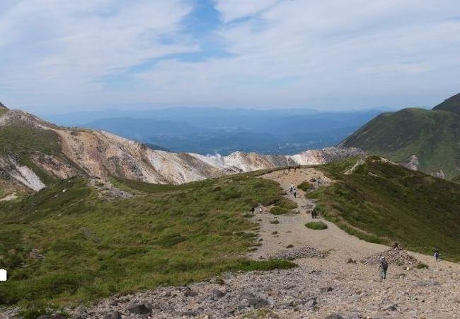様々な山頂が楽しめる日本百名山