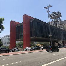 サン パウロ美術館