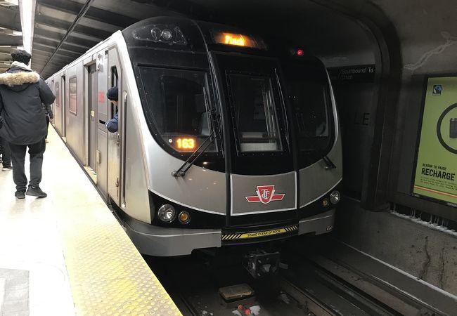 地下鉄 (トロント交通局 TTC)
