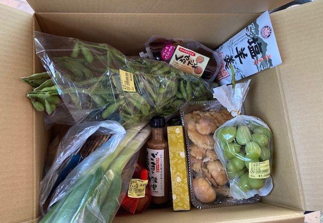 上田市に程近い青木村の道の駅です。野菜やキノコなど新鮮でした。
