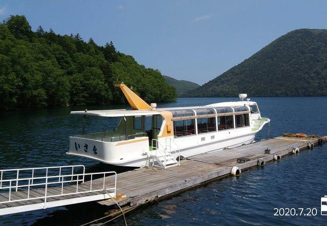 然別湖観光遊覧船