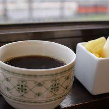 コーヒーやデザートも頂けました