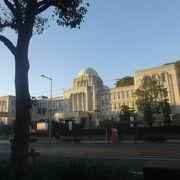 ヨーロッパの市庁舎みたい