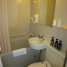 ビジネスホテルサイズの洗面、バス、」トイレ