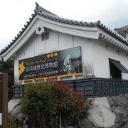 長浜城が歴史博物館として公開されています。