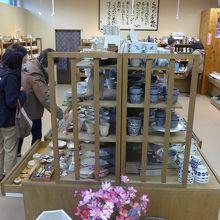 一階のくらわん館の商品展示