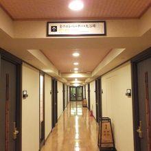 廊下の左右が部屋