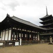 歴史を感じられる見どころが多い寺です