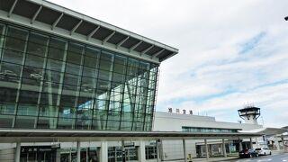 丘陵地帯の景観が素晴らしい空港 ~ 旭川空港