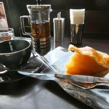 スイーツカフェ&バー LOUNGE