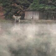 徒歩で行ける観光地です。朝霧に煙る湖面は日によって変わるので行ってみないとわかりません。