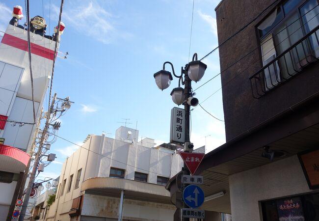 昭和レトロな感じの商店街