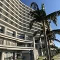 エメラルドビーチに直結のホテルオリオンモトブ